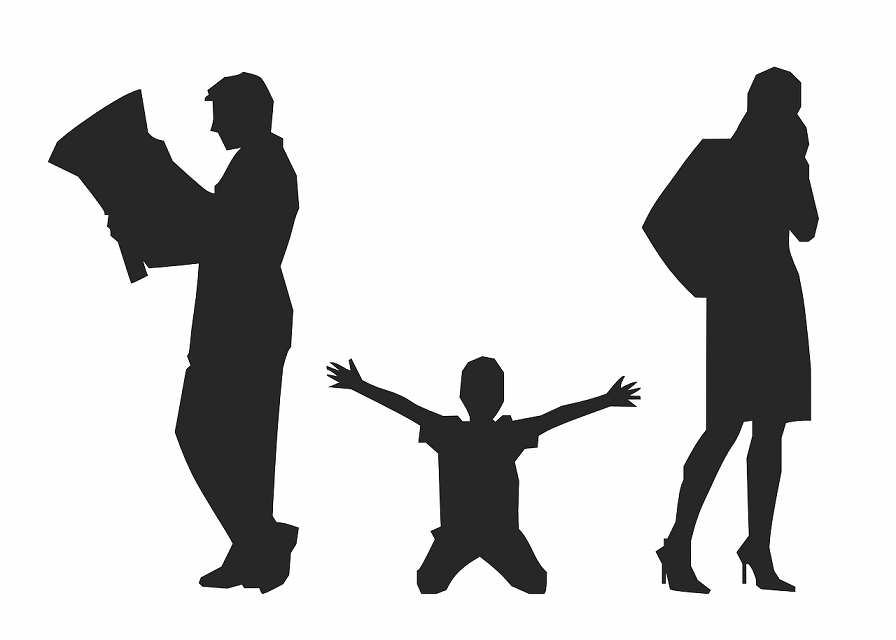 child in between divorcing parents silhouette