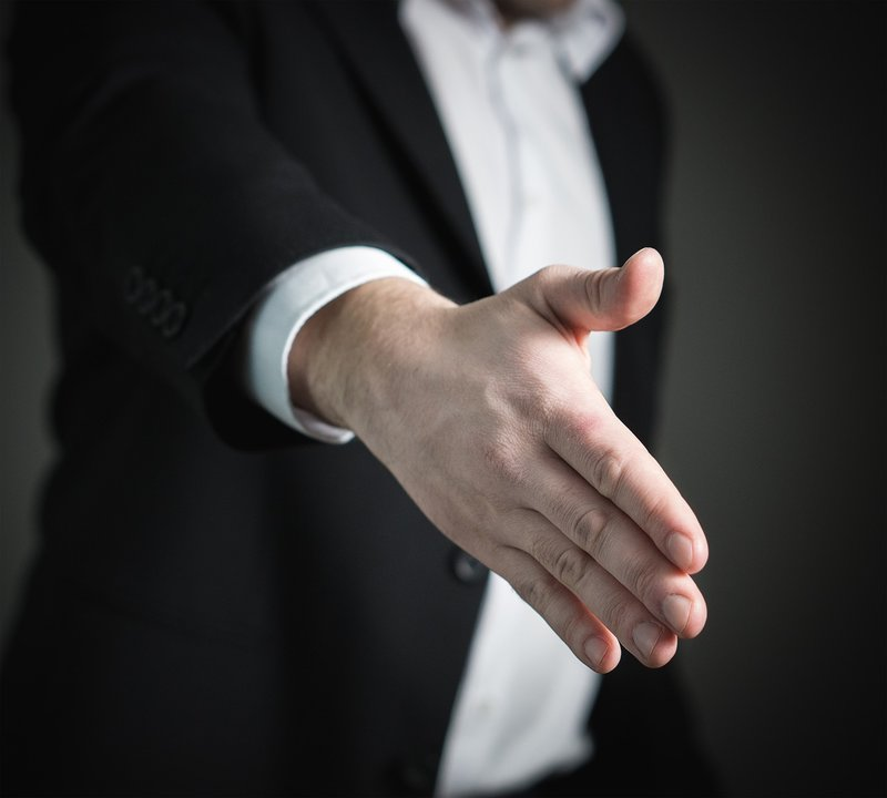 handshake for job interview